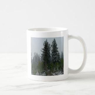 Backe för trädSnowey barrträd Kaffemugg
