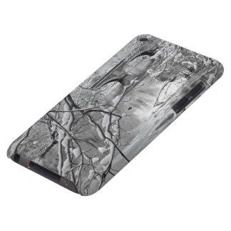Bågen överbryggar över den djupfryst floden i iPod Case-Mate cases