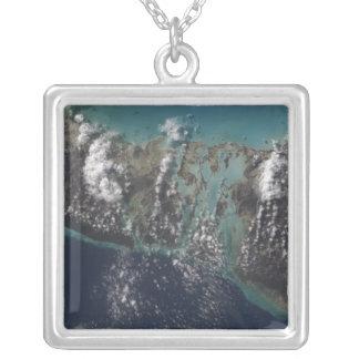 Bahamas'nas den Andros ön 2 Silverpläterat Halsband