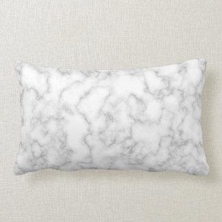 Bakgrund för sten för marmormönstergrått vit lumbarkudde