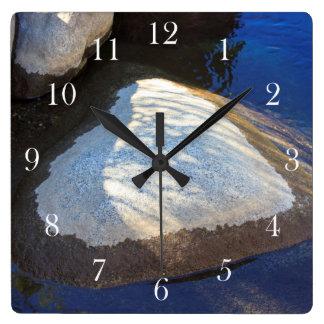 Balansera av kärlek fyrkantig klocka