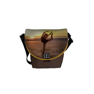 Balett på strandkortkortmessenger bag kurir väskor