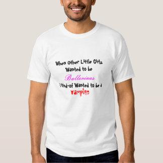 Ballarinas Vs. vampyrer T-shirts