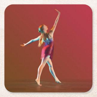 Ballerina i rött underlägg papper kvadrat