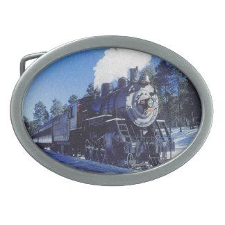 Bältet för tåg 3 spänner fast