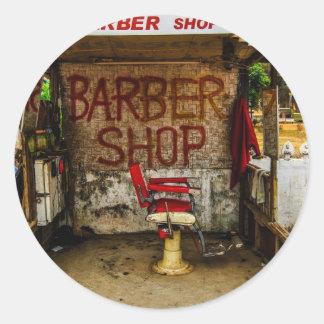 """Barberare """"som förlägga i barack"""" i Laos. Runt Klistermärke"""