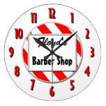 Barberaren shoppar röd vit som beställnings- Retro Vägg Klockor