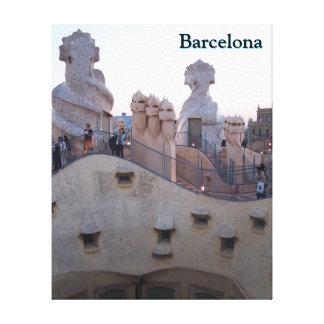 Barcelona Casa Mila av Antoni skräddarsy Gaudi Canvastryck