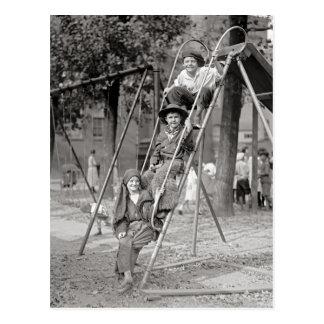 Barn i dräkten, 1922 vykort