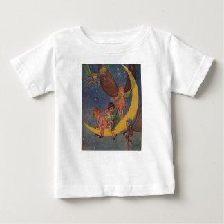 Barn och älvor rider månen, t-shirts