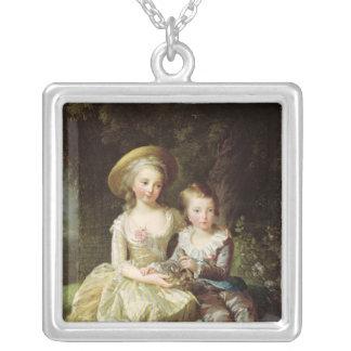 Barnporträtt av Marie-Therese-Charlotte Silverpläterat Halsband