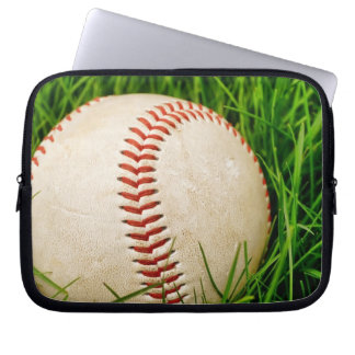 Baseball i gräset laptop fodral