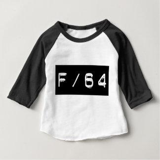 Baseballutslagsplats för baby F/64 T Shirts