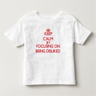 Behållalugn, genom att fokusera på att ogillas tee shirt