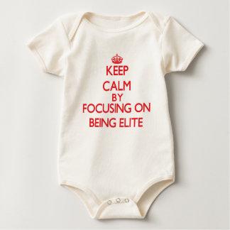 Behållalugn, genom att fokusera på ATT VARA ELIT Body För Baby