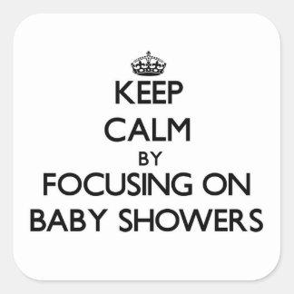Behållalugn genom att fokusera på baby shower