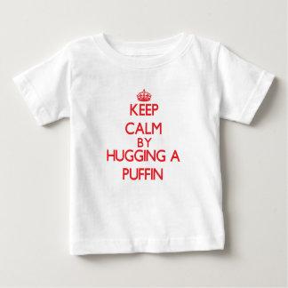 Behållalugn, genom att krama en Puffin T Shirts