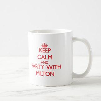 Behållalugn och party med Milton Vit Mugg
