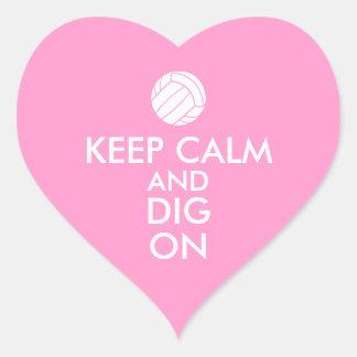 Behållalugn och pik på volleybollsportälskare hjärtformat klistermärke