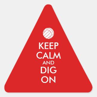 Behållalugn och pik på volleybollsportälskare triangelformat klistermärke