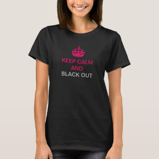Behållalugn och svart ut tee shirt