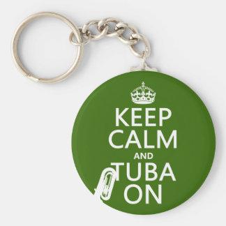 Behållalugn och Tuba på (någon bakgrundsfärg) Rund Nyckelring