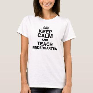 Behållalugn undervisar dagisT-tröja T-shirts