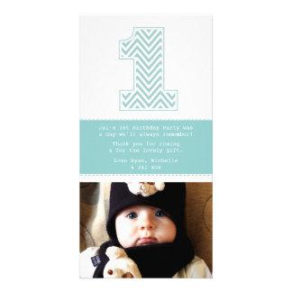 Behandla som ett barn den 1st födelsedagen numrera anpassade foto kort