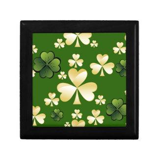 Beige- och gröntklöver smyckeskrin