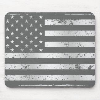 Bekymrad amerikanska flaggan II Mousepad Musmatta