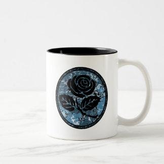 Bekymrad rosa SilhouetteCameo - blått Två-Tonad Mugg