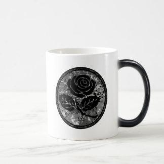 Bekymrad rosa SilhouetteCameo - svart & grå färg Magisk Mugg