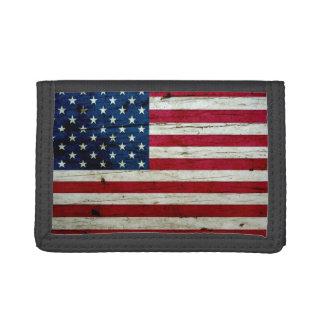 Bekymrat lantligt amerikanska flagganträ för coola