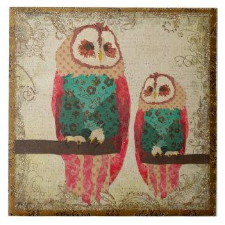 Belägger med tegel rosa ugglor för vintage kakelplatta