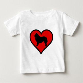Belgisk herdehjärtakärlek förföljer silhouetten t shirt