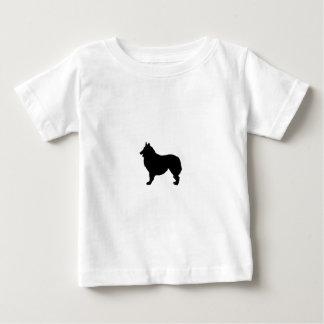 Belgiska hundar för herdeSilhouettekärlek T-shirts