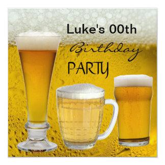 Bemannar någon öl för ålderfödelsedagsfestdrinkar fyrkantigt 13,3 cm inbjudningskort