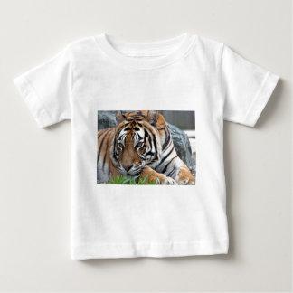 Bengal tiger i gräs tee shirt