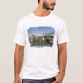 Berättelsen överbryggar, den Brisbane floden och Tshirts