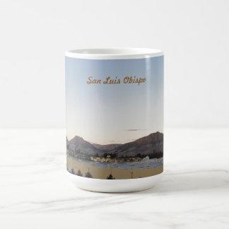 Berg av San Luis Obispo från irländska backar Kaffemugg