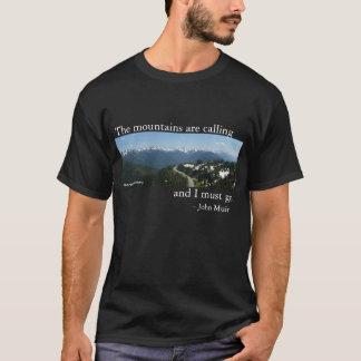 Berg kallar - mörk tee