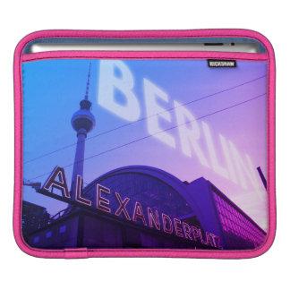 Berlin Alex station med TVtorn 001.F.001 iPad Sleeve