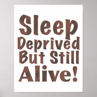 Berövat men stilla vid liv för sömn i brunt poster