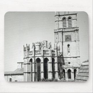 Beskåda av apsen och torn, byggt musmatta