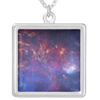 Beskåda av centrera av den Milky långt galaxen Silverpläterat Halsband