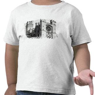 Beskåda av den västra facaden och stå hög t shirt