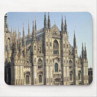 Beskåda av facaden, börjat 1386 musmattor