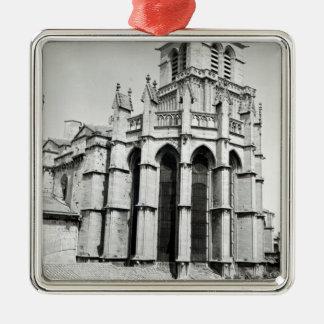 Beskåda av öster avslutar av kyrkan, byggt julgransprydnad metall