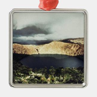 Beskåda av sjön Guatavita Julgransprydnad Metall