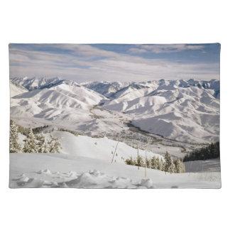 Beskådar Skiers uppifrån av Bald berg Bordstablett